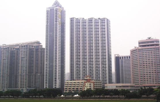 屋顶为一体的综合性高层建筑